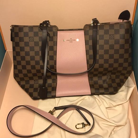 c4c9e8e7d06a Louis Vuitton Handbags - Authenticated New Never Used Louis Vuitton Purse